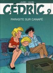 Cédric -9b02- Parasite sur canapé