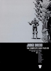Judge Dredd: The Complete Case Files (2005) -INT09- 2000AD Progs 424-473 Year: 2107-2108