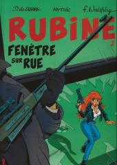 Rubine -2HC- Fenêtre sur rue