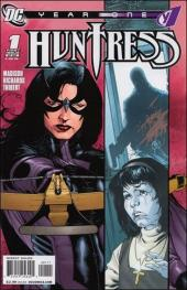Huntress Year One -1- Girls can't be pope