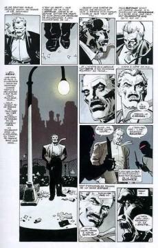 Extrait de Batman - Dark Knight (Absolute) -INT- Absolute dark knight
