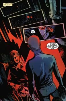 Extrait de Detective Comics (1937) -881- The face in the glass