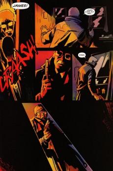 Extrait de Detective Comics (1937) -INT- Batman: The Black Mirror
