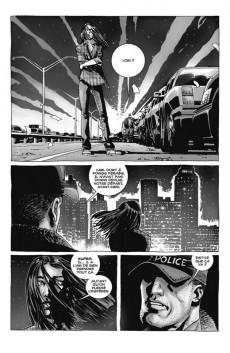 Extrait de Walking Dead -INT01- Volume 1