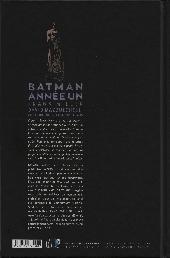 Verso de Batman : Année un -INT d- Année un