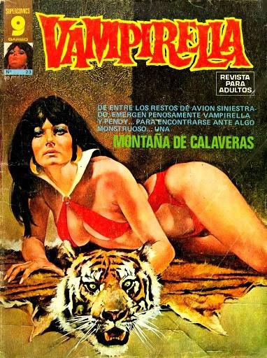 Couverture de Vampirella (en espagnol) -23- Montaña de calaveras