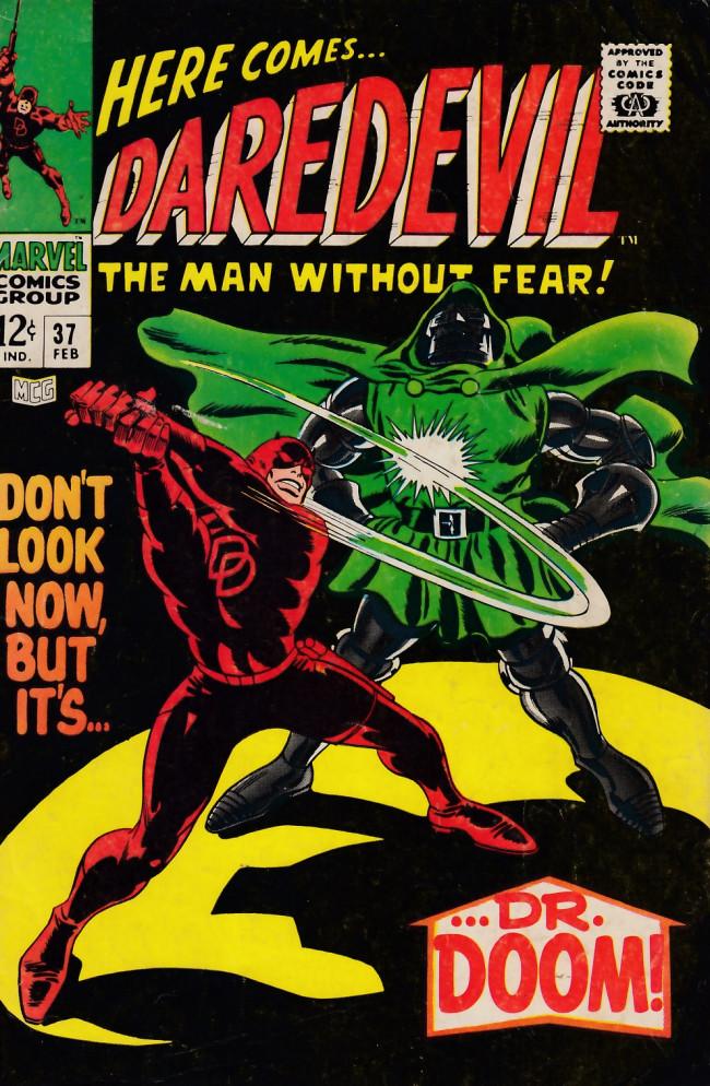 Couverture de Daredevil (1964) -37- Don't look now, but it's... Dr. Doom